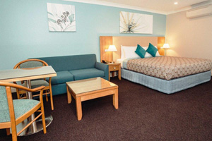 Bathurst Accommodation Heritage Motor Inn King 4.5 star studio